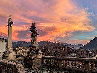 Tramonto a Clusone: fotografia alla Basilica Santa Maria Assunta di Clusone