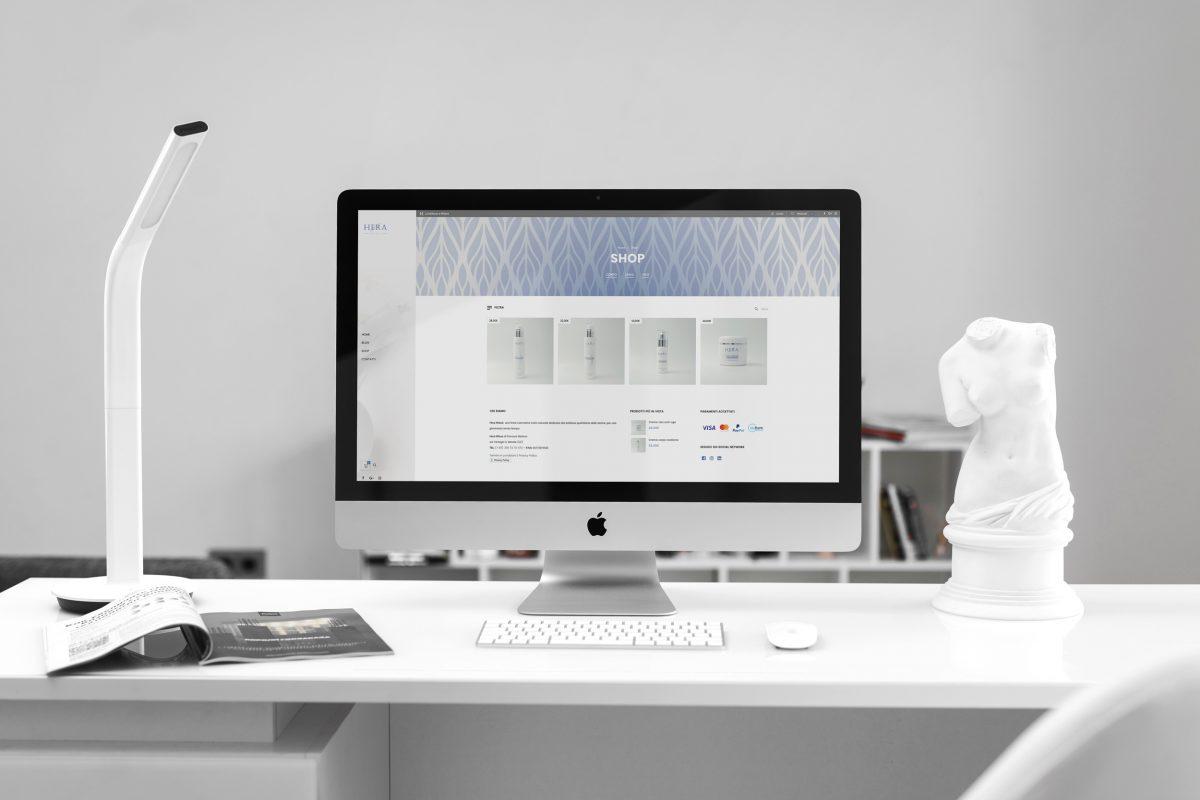 mockup-website-hera-store-scrivania-1-1200x800.jpg